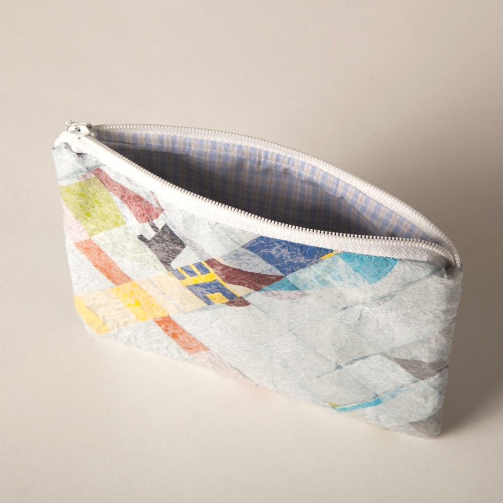 alte Plastiktüten aufarbeiten: Täschchen der Firma ReXCIV